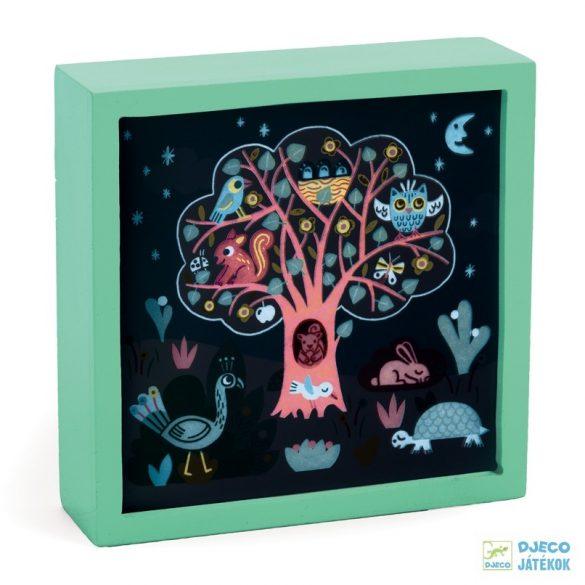 Falikép és éjszakai fény, Mesélő fa (Djeco, 3485, kapcsolós gyerekszoba dekoráció, 0-12 év)